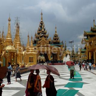 Shwedagon Paya sm